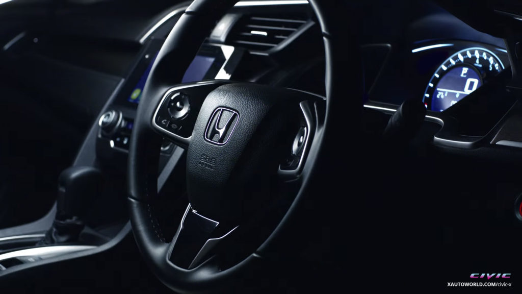 2016 Civic Steering Close-Up