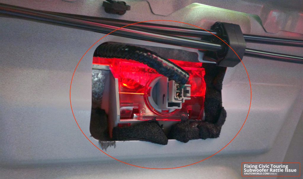 10th Civic - Insert neoprene form around 3rd brake light