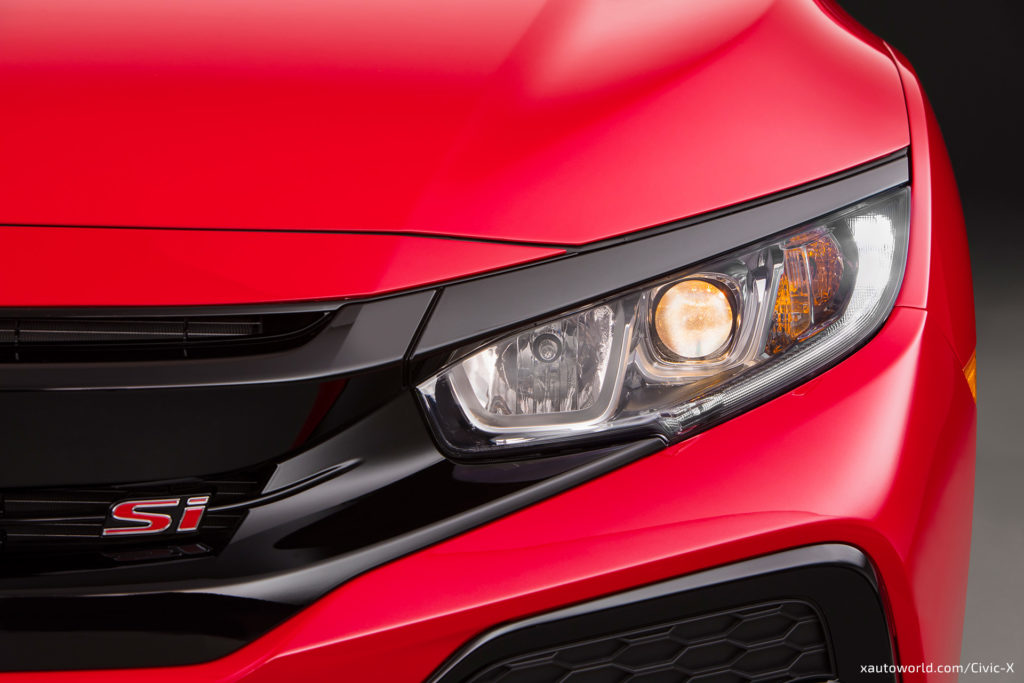 2017 Civic Si - Headlamp/Si Logo Closeup