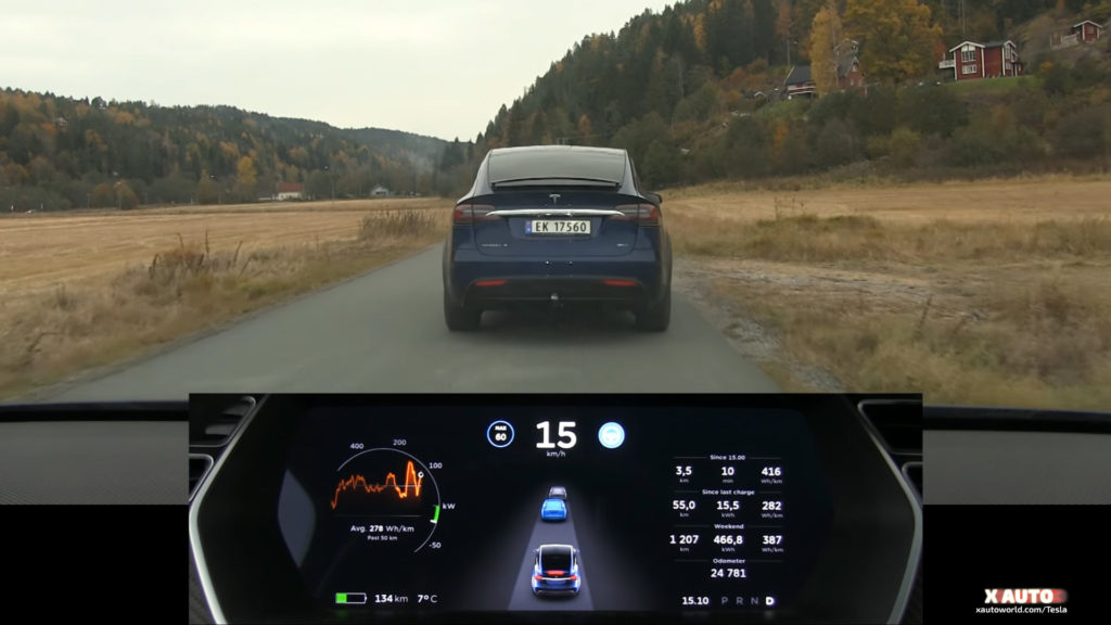 Tesla equipped with radar and Autopilot 8.0 update can detect 2 vehicles at the front