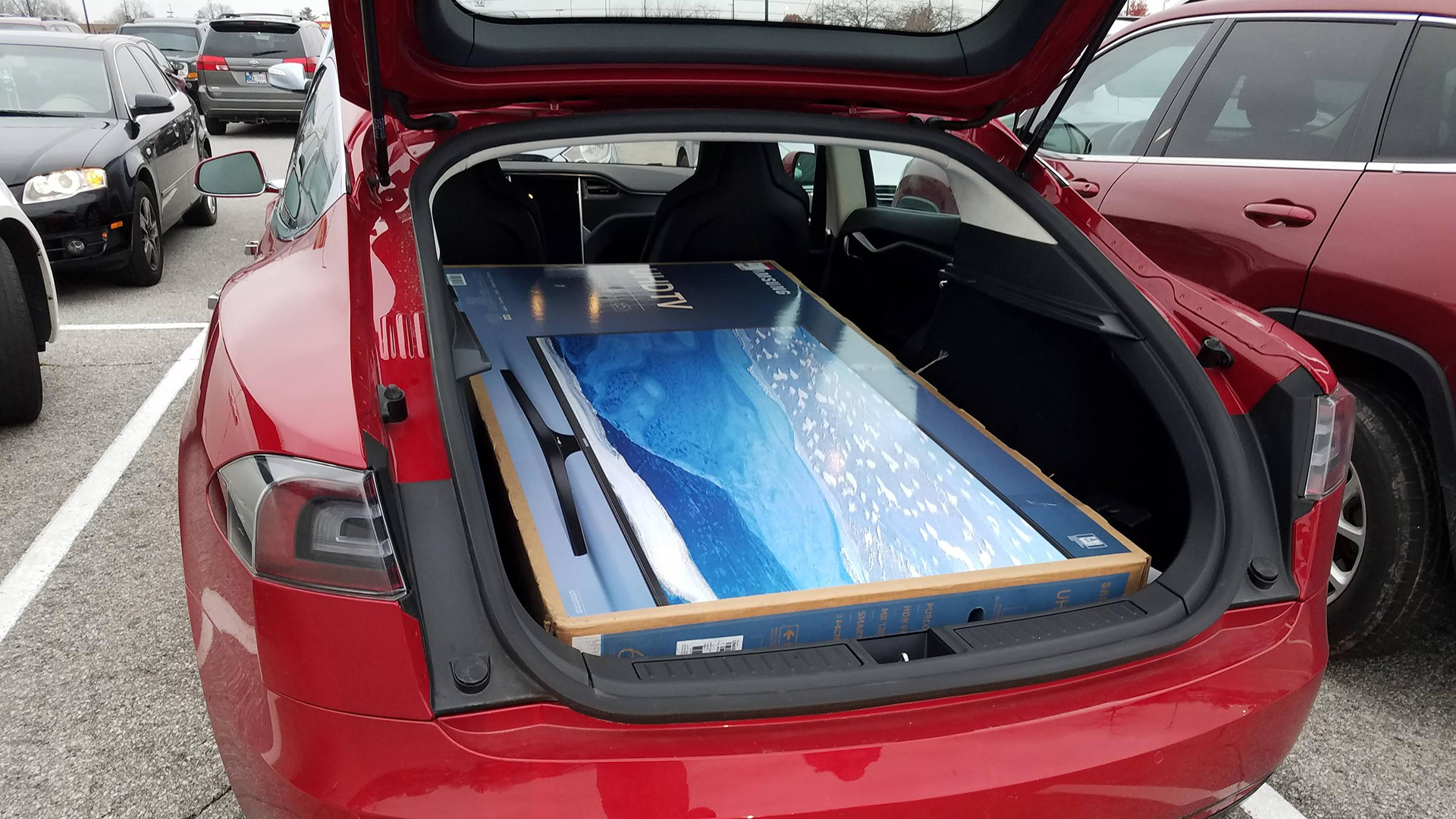 model x 5 seat configuration cargo space with folding 2nd row video photos. Black Bedroom Furniture Sets. Home Design Ideas