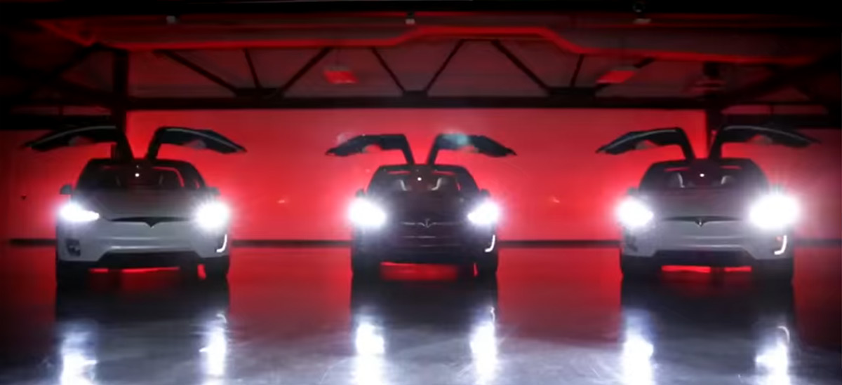 Tesla Model X Merry Christmas Easter Egg