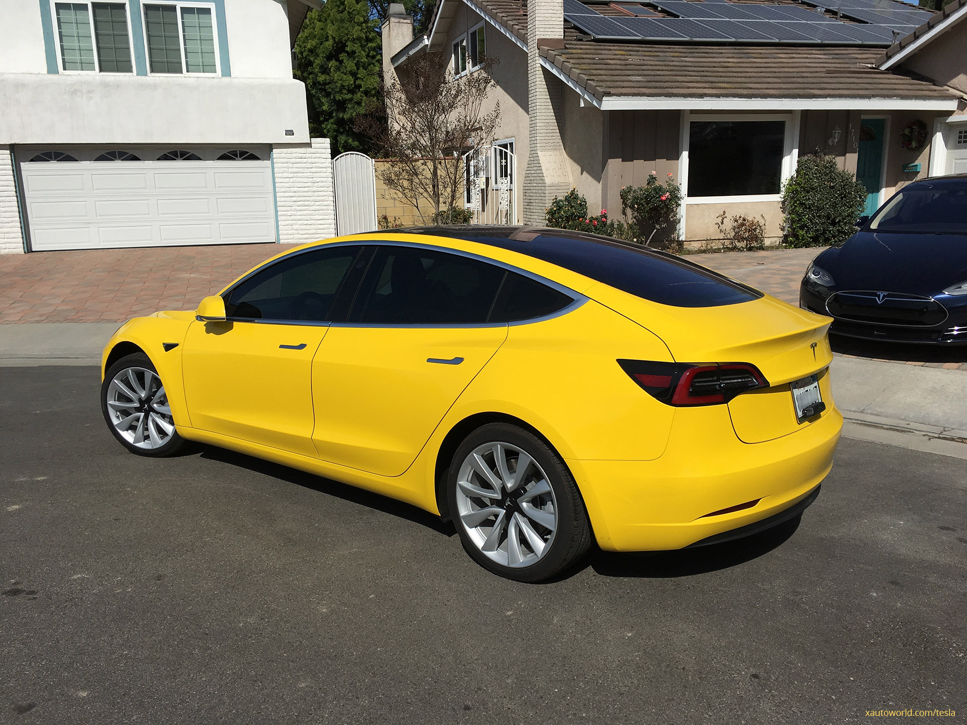 yellow tesla model 3 that rocked 39 reddit 39 now with tinted. Black Bedroom Furniture Sets. Home Design Ideas