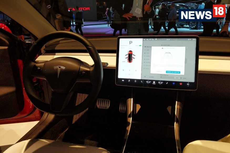 Tesla Model 3 at the 2018 Paris Motor Show - Interior