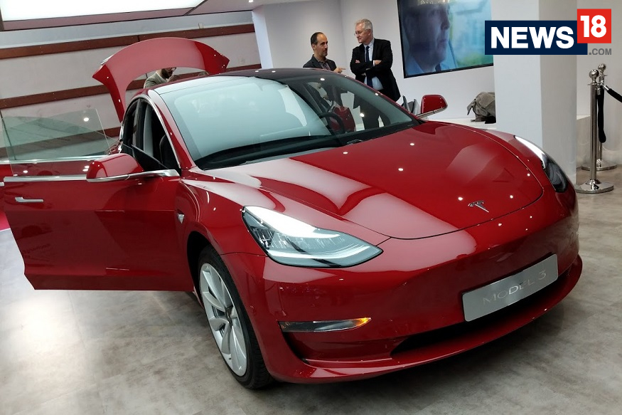 Tesla Model 3 at the 2018 Paris Motor Show - Front View