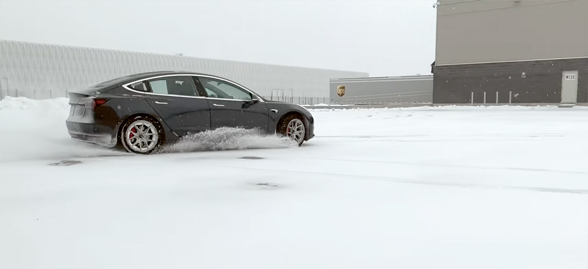 Tesla Model 3 Snow Drift with Track Mode