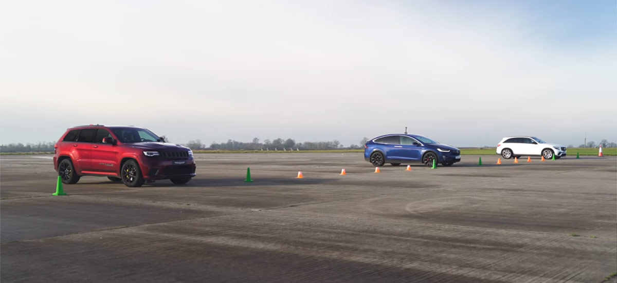 Tesla Model X P100D vs. Jeep Trackhawk 1/4 mile drag race