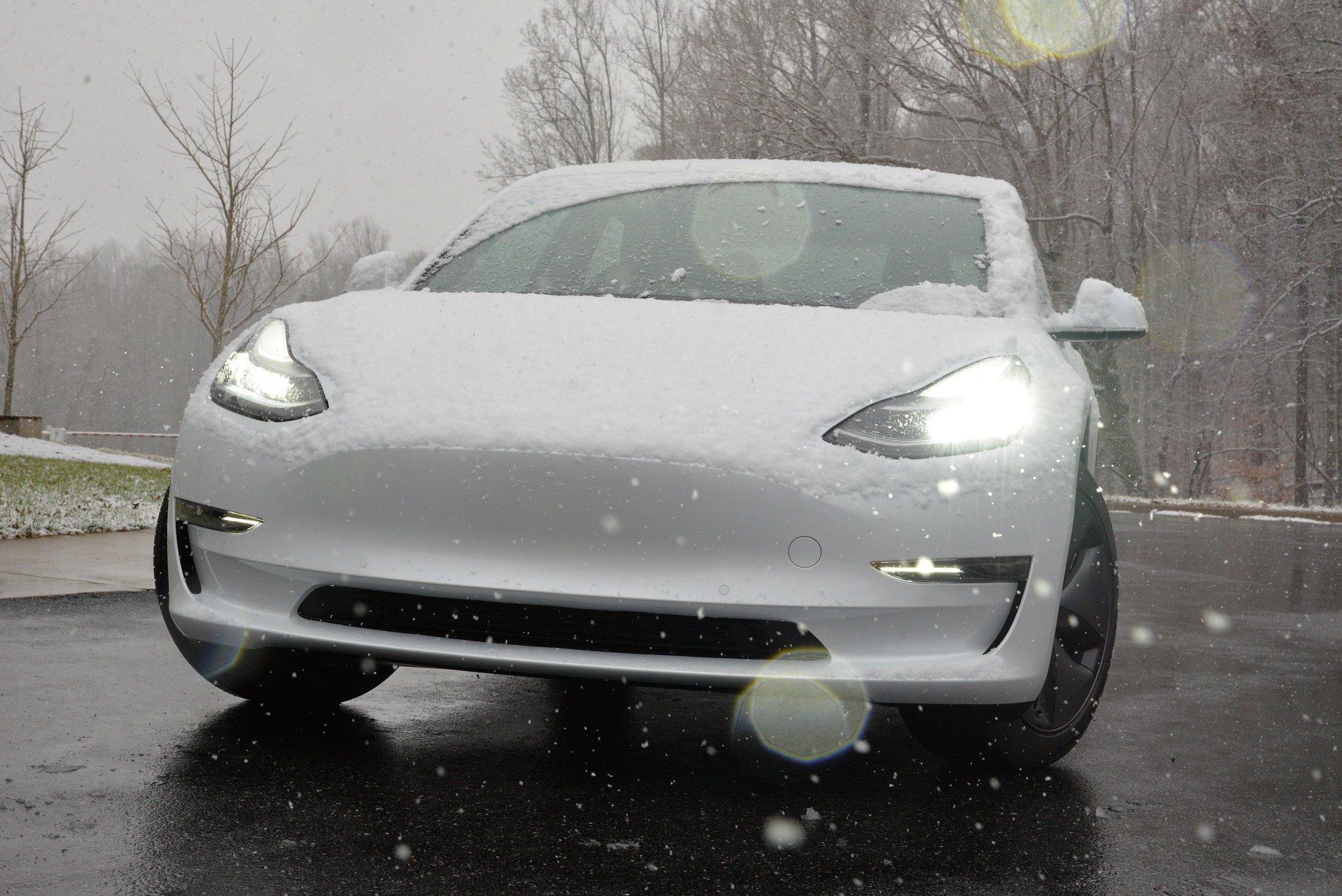 Tesla Model 3 headlights earn highest safety rating from IIHS