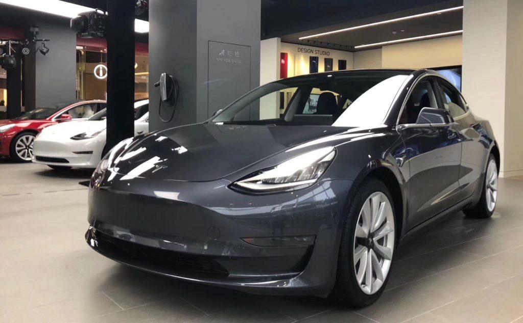 Midnight Silver Metallic Tesla Model 3 at the Tesla Shanghai Store