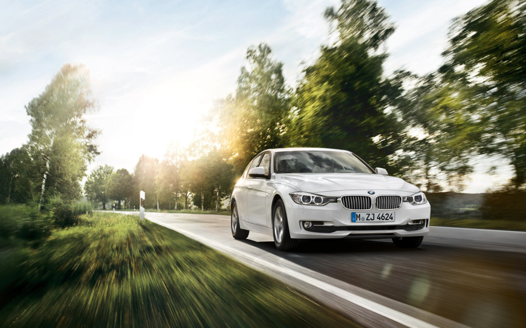 BMW 3 Series In Stunning Pearl White Wallpaper