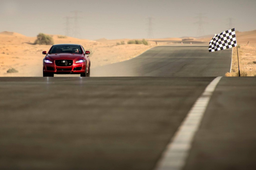 XJR at 174mph to finish line