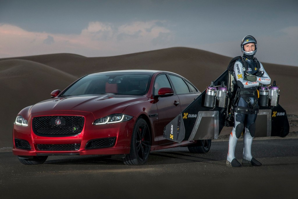 Jaguar XJR vs Jetman