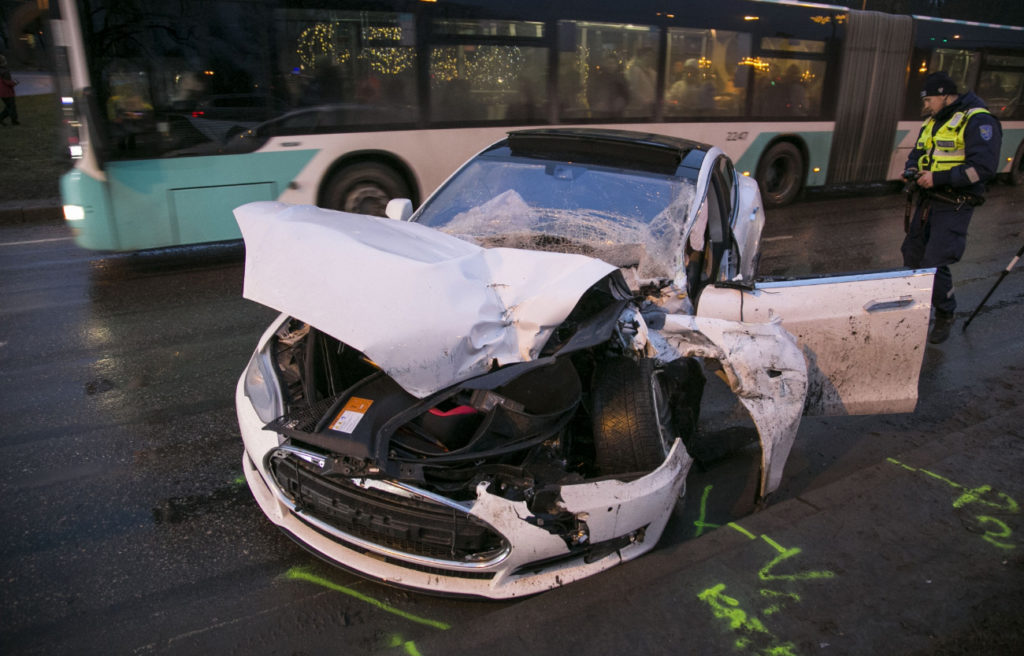Tesla Model S hit by Kamazi Truck