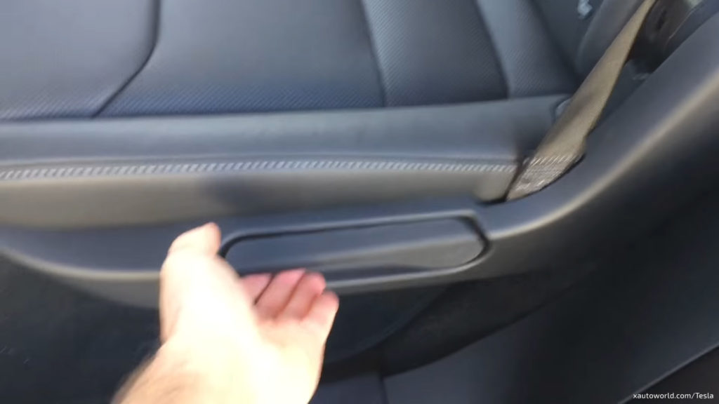 Tesla Model X 5 Seat Configuration - 2nd Row Traditional Pull Lever