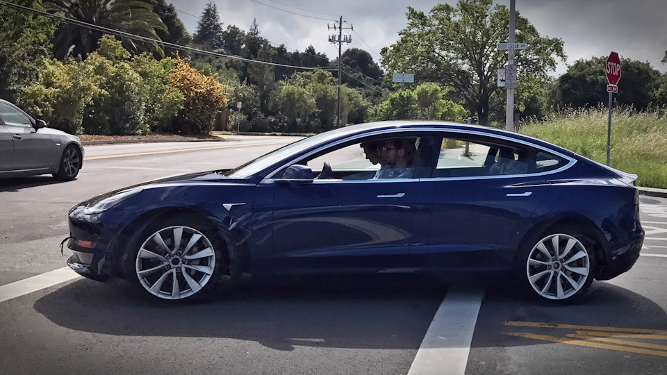 Spy shot Blue Model 3 outside Tesla factory