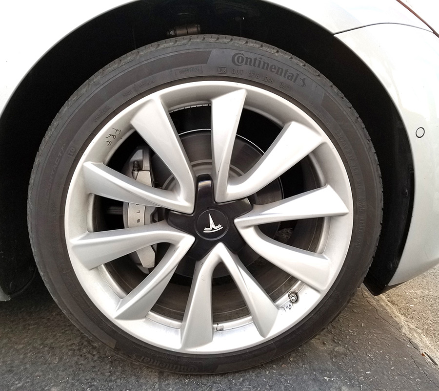 Tesla Model 3 V-Spoke Wheel On A Release Candidate