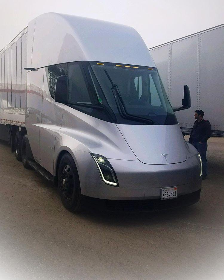 Tesla Semi Truck - via proper_hanniel @ Instagram