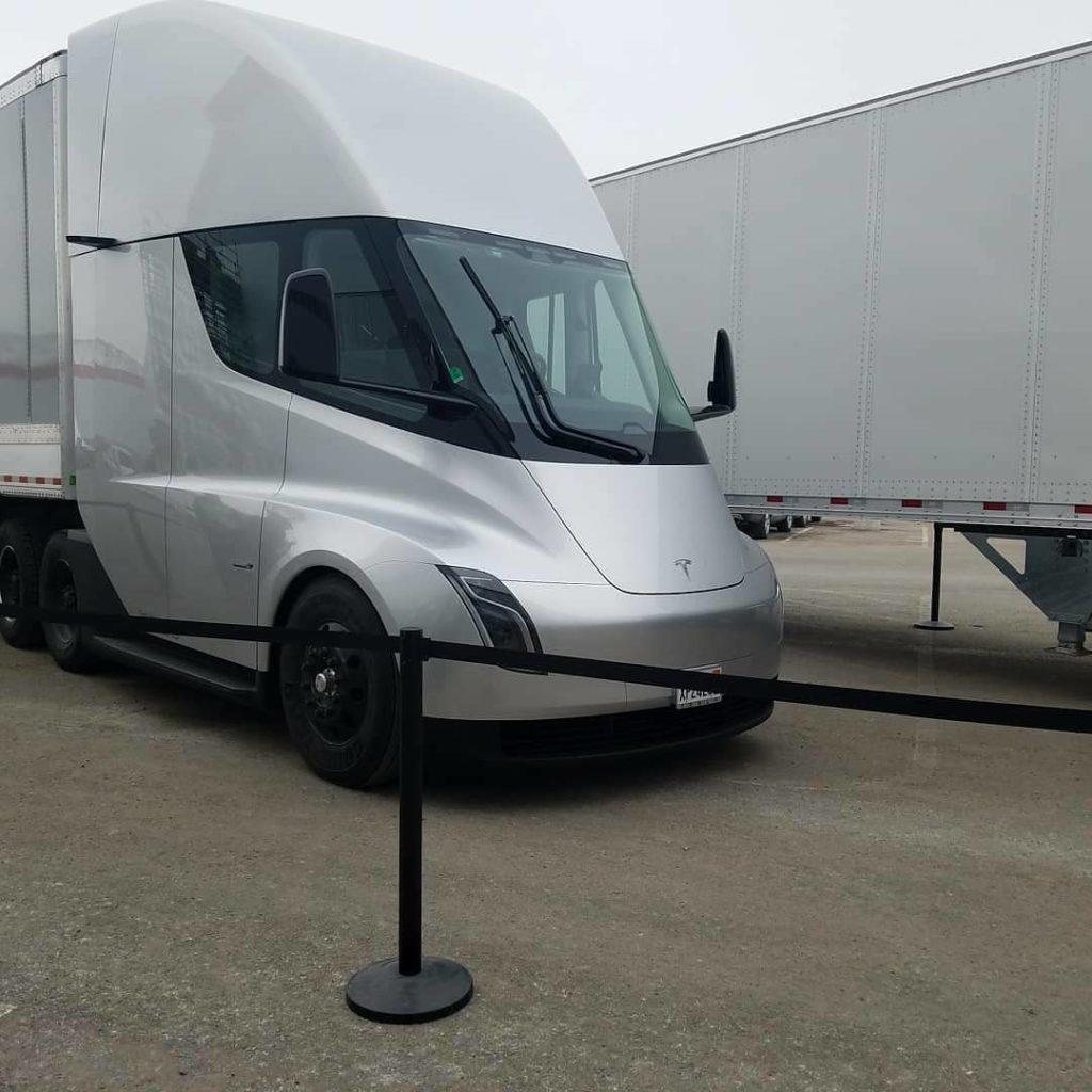 Tesla Semi Truck - via richardharrison120 @ Instagram