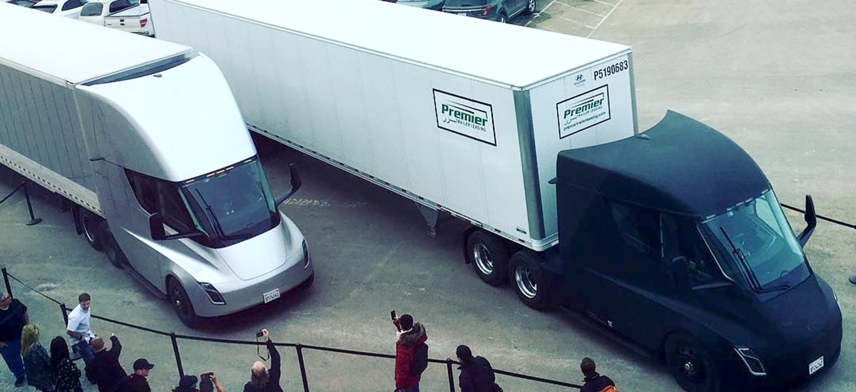 Two Tesla Semi leave Gigafactory 1 to delivery battery packs to Fremont factory