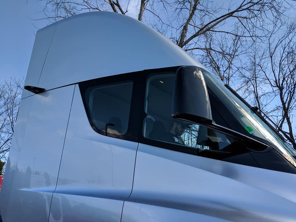 Tesla Semi Truck - St. Charles, MO