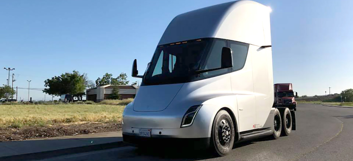 Tesla Semi Truck spotted going back to Gigafactory