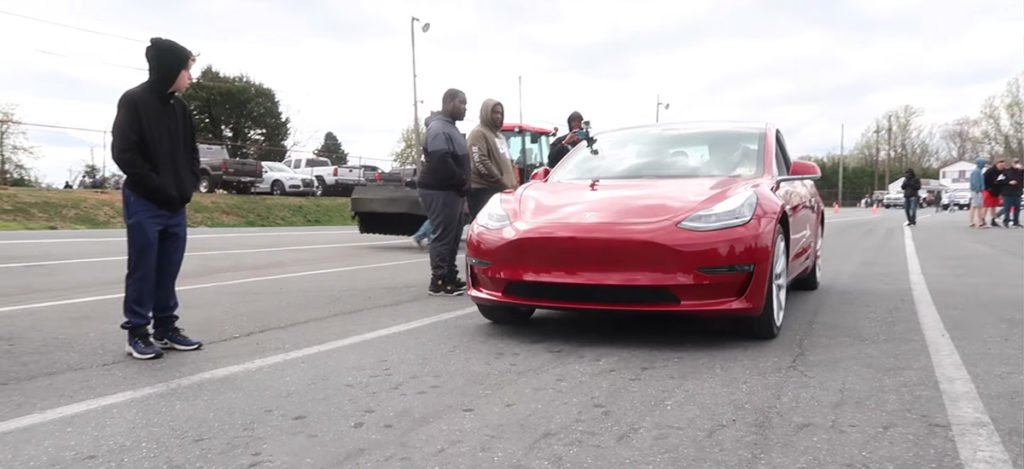 Tesla Model 3 1/4 mile Drag Race