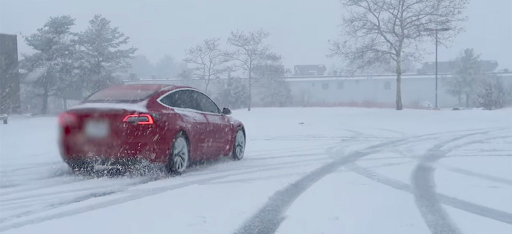 Tesla Model 3 running in snow. EVs Tesla Cold Weather How To