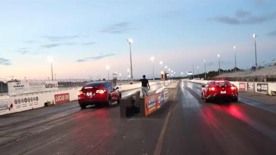 Drag Race: Tesla Model X P100D vs Ferrari 812 Superfast