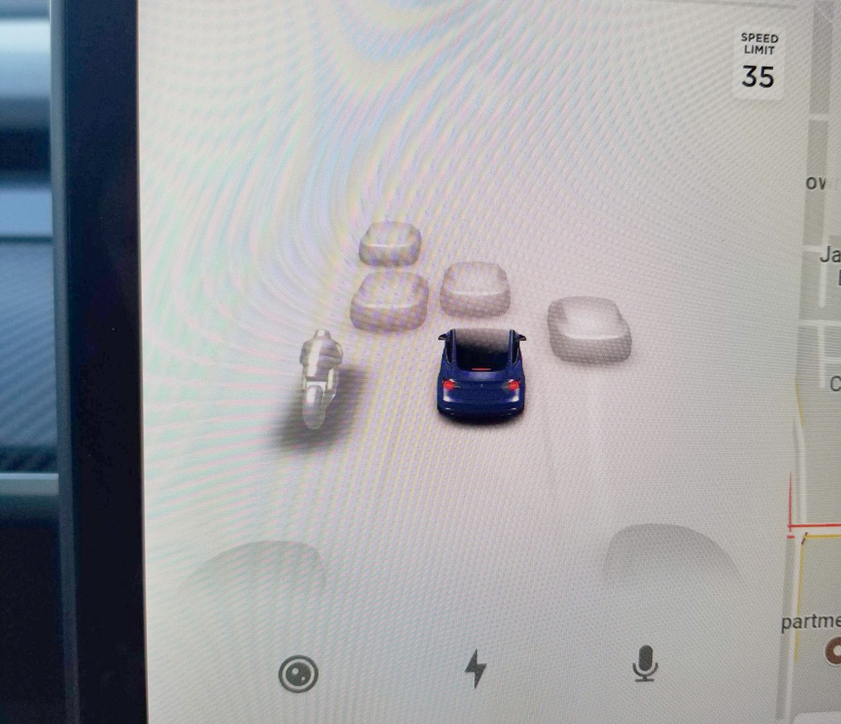 Tesla vehicles are now able to detect and display bikes/motorcycles, light duty trucks and heavy-duty trucks in addition to cars on the center screen