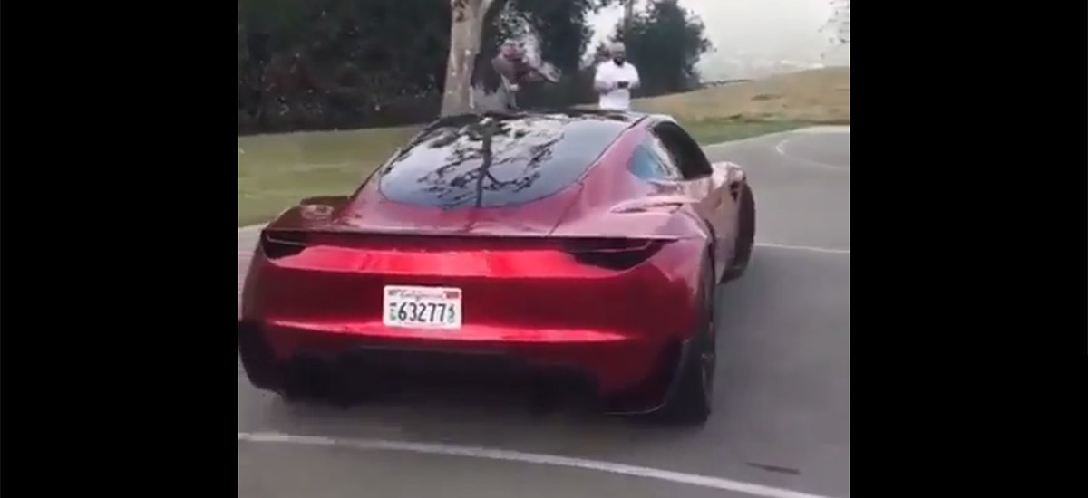 Watch and listen to the 2020 Tesla Roadster move