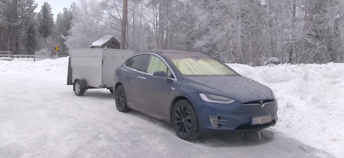 Surviving at -15°C/5°F inside a Tesla with the 'Keep Climate On' option
