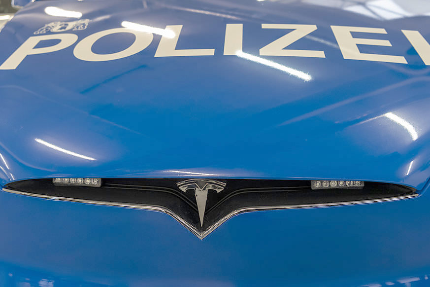 Basel City Police's Tesla Model X 100D - Front Closeup