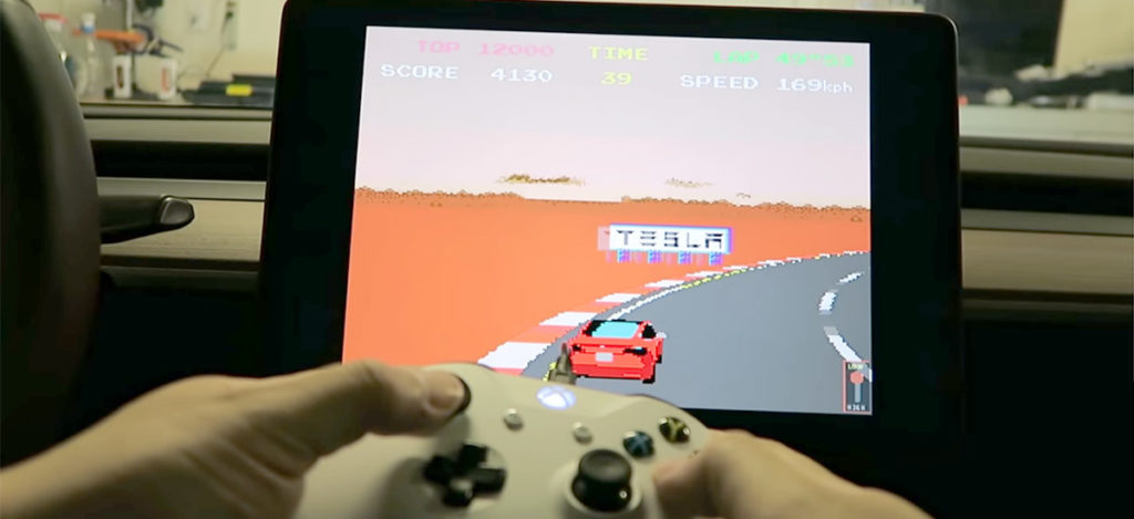 Playing Tesla Atari Games with USB XBOX One, PS4 and PC Controllers in a Tesla Model 3