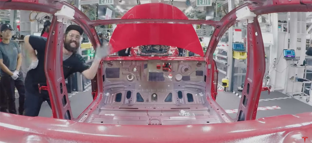 Tesla Model 3 assembly time-lapse video
