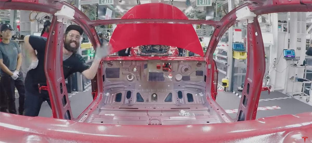 Tesla Model 3 assembly time-lapse video