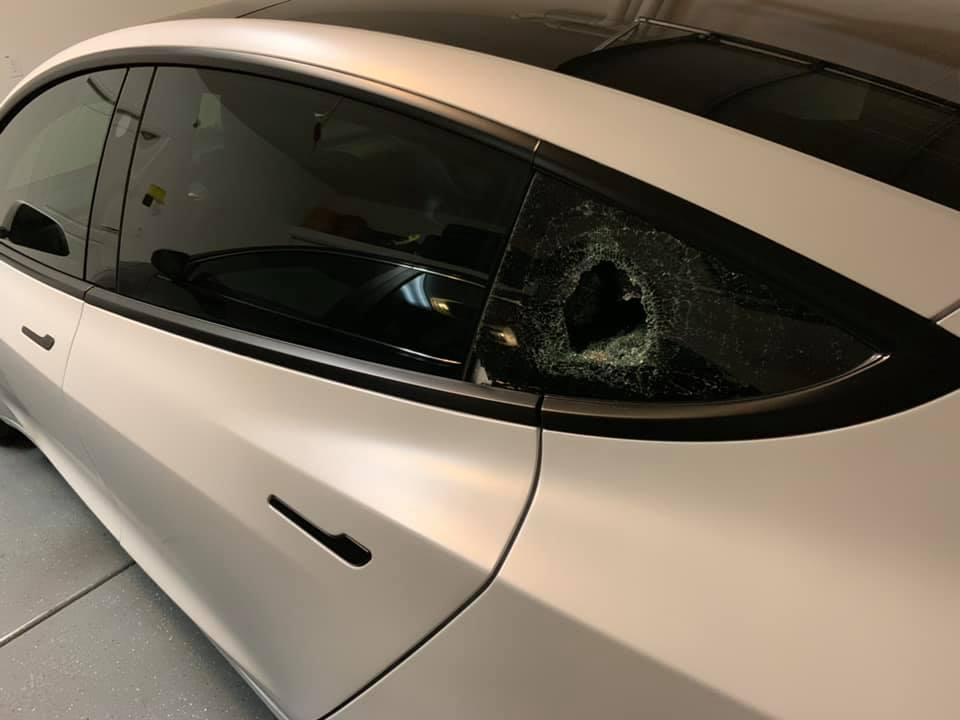 Tesla Model 3 window break-ins epidemic