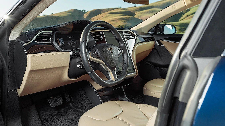 2013 Tesla Model S Interior.