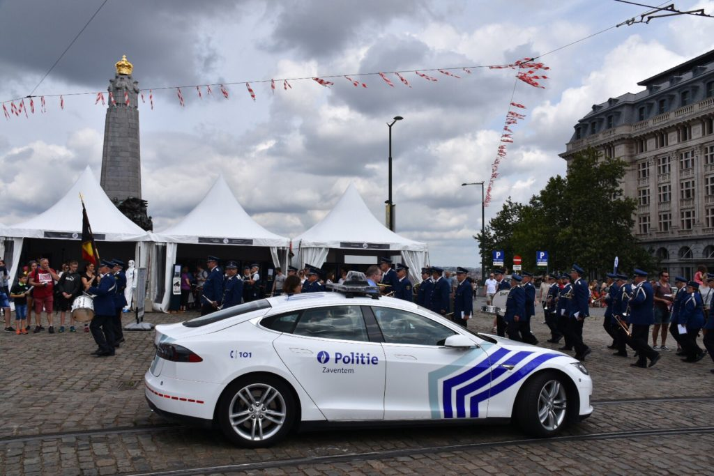 Belgian Federal Police - Tesla Model S at the 2019 National Day celebrations. Side view profile.
