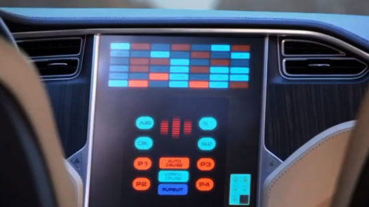 Tesla Model S autonomous robotaxi funny sketch video in Spanish with English subtitles.