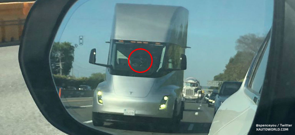 Possibly a Tesla Semi Truck in driver-less mode (Autopilot)