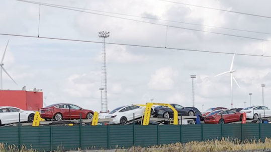 50 car carrier trailers left the Port of Zeebrugge, Belgium carrying Tesla Model 3s for Europe.