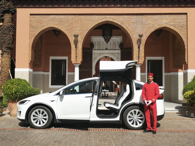 Royal Mansour White Model X