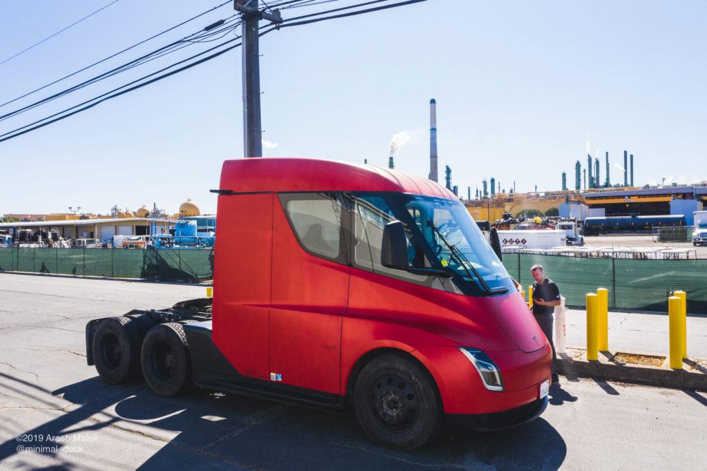 Tesla Semi at Yandell Logistics, CA. 2nd side view profile photo.