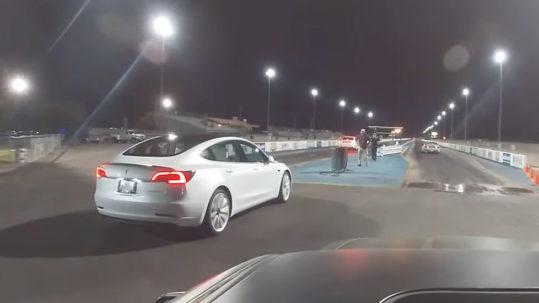 Tesla Model 3 drag races against Camaro SS, Jeep Trackhawk, Hellcat