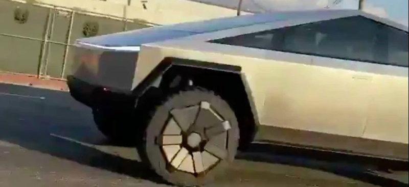 Tesla Cybertruck spotted in the wild.