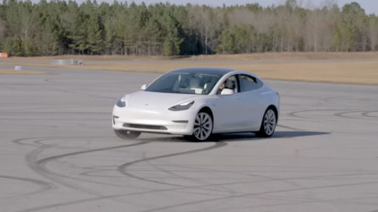 Tesla Model 3 SR+ shredding tires on the race track in Dyno Mode.