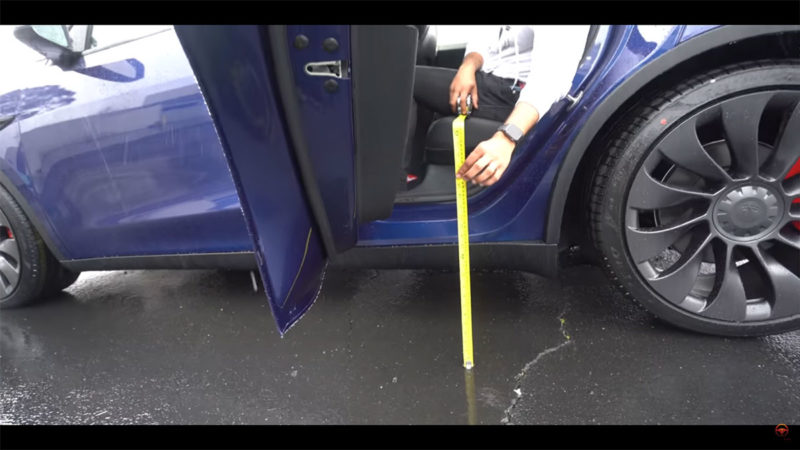 Reviewing the Tesla Model Y with a measuring tape, get the full information.
