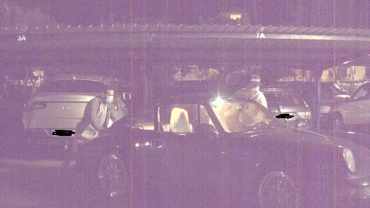 Tesla Sentry Mode recording as thieves steal a classic Porsche 911 Carerra 2.